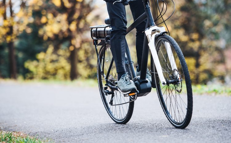 E-bike versus pedal bike