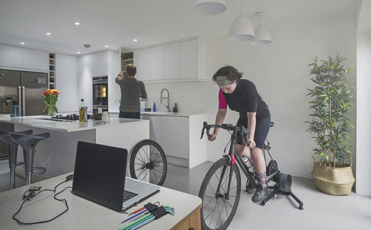 Indoor versus outdoor cycling